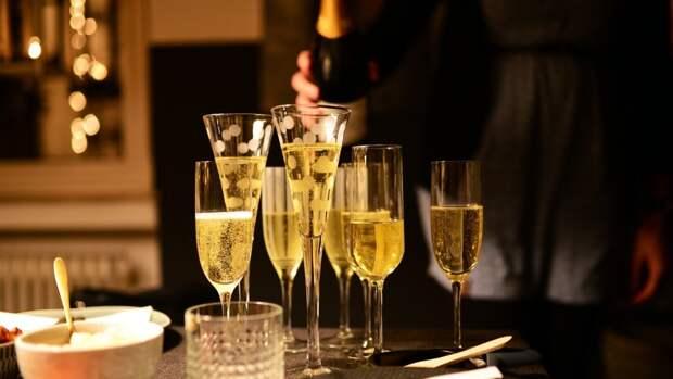 Нарколог Сиволап развеял миф ученых из США о пользе алкоголя для сердца