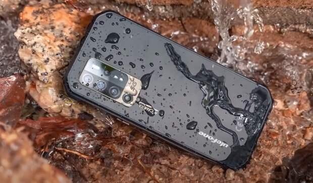 """Испытания """"неубиваемого"""" 5G-смартфона с ночным видением записали на видео"""