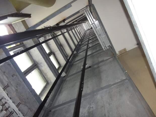 МЧС: пострадавший во время игры с друзьями мальчик в Ижевске упал в шахту лифта с 6 этажа