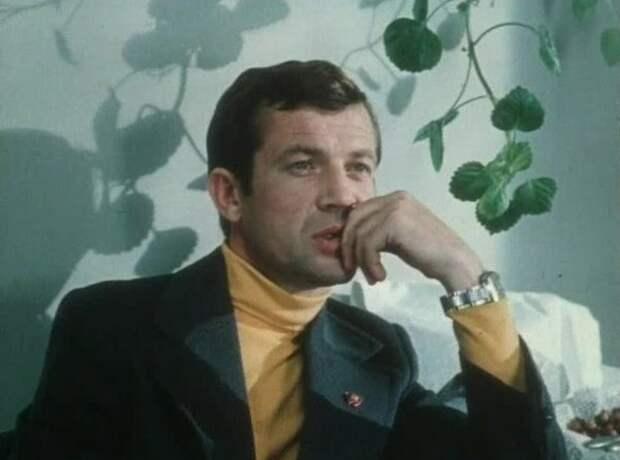 Ненавидел чаевые от геев и бросил карьеру из-за надменной жены. Геннадий Корольков