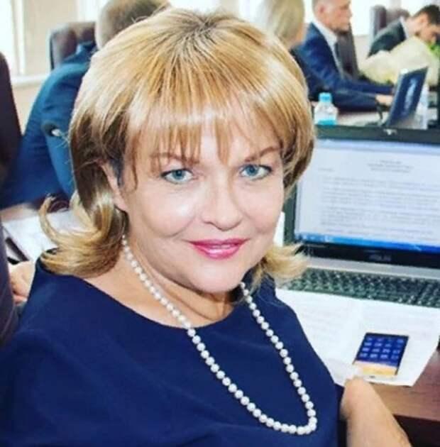 Актрисе Александре Яковлевой врачи давали три месяца: как выглядит звезда после борьбы с раком