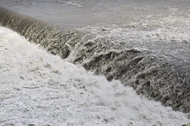 В станице Тамань неочищенные сточные воды попадали в море