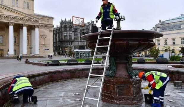 Московские фонтаны подготовили к зиме