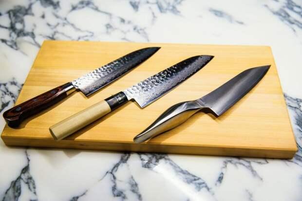 Как заточить нож с помощью вещи, которая 100% найдётся дома у каждого.