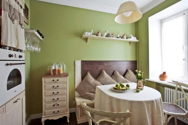 Оливково-бежевая кухня