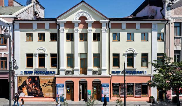 «Полон сил, юнипрекрасен»: Приморскому краевому театру молодежи 75 лет