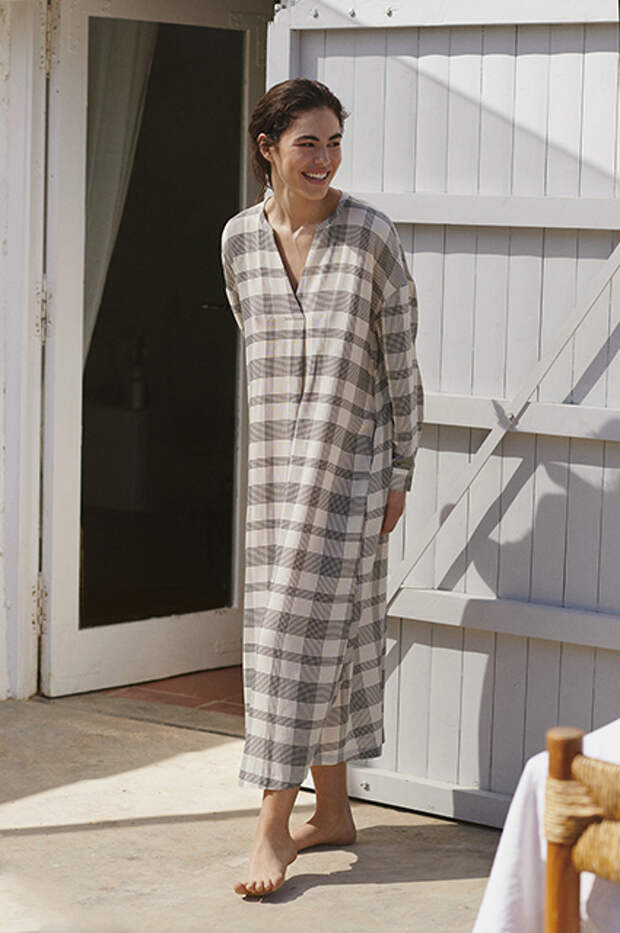 Легкие платья, купальники и спортивная одежда: готовимся к лету с новыми лукбуками