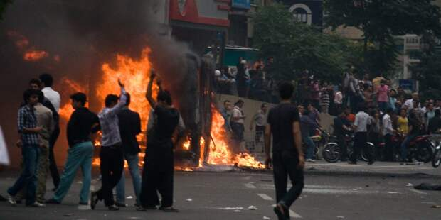 В Нью-Дели из-за беспорядков усилили меры безопасности