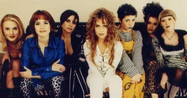 """Группа """"Стрелки"""": как сейчас выглядят самые яркие участницы популярного в 90-х коллектива"""