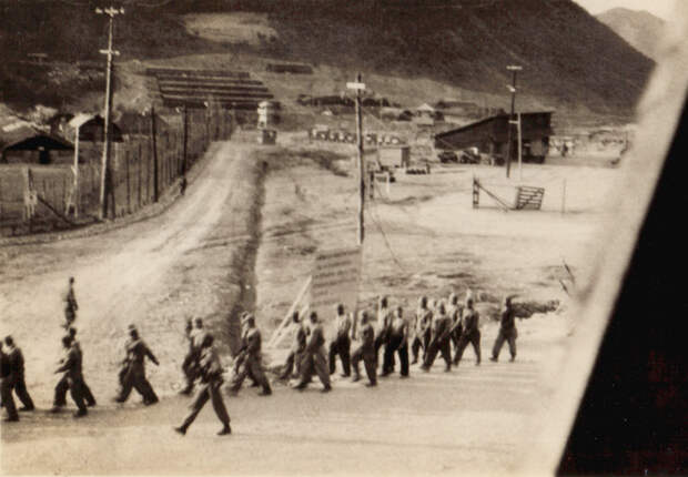 n_korean_prisoners_koje-do1.jpg