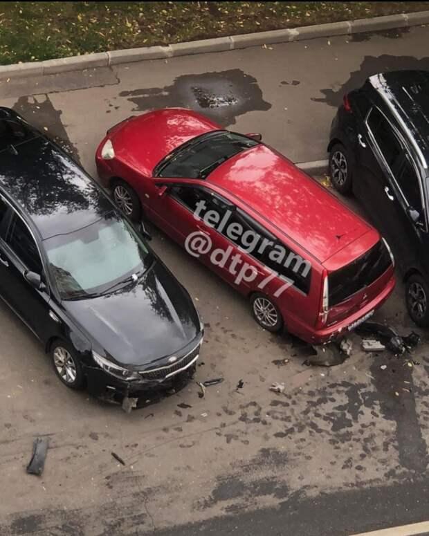 Пьяный водитель каршеринга разбил шесть машин на Шокальского