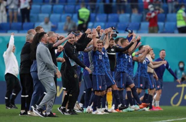 ЧЕ по футболу - Словакия неожиданно переиграла Польшу