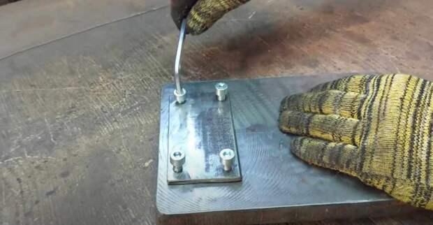 Как сделать слесарные тиски для круглых труб