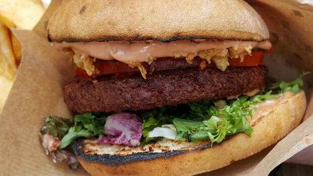 Американский производитель вегетарианского мяса терпит убытки