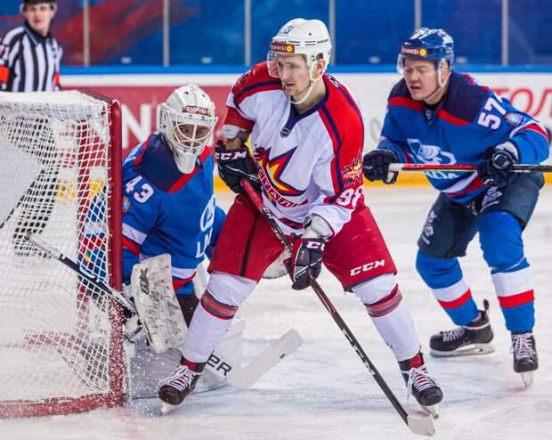 Хоккеисты «Ижстали» обыграли команду «Лада» из Тольятти