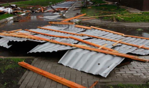 Предупреждение о сильном ветре продлено наСреднем Урале