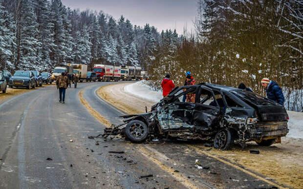 Смертность на дорогах и Стратегия безопасности: проблемы есть, решений нет