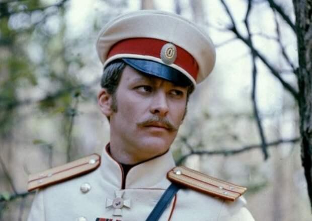 Владимир Ивашов в фильме *Красные шипы*, 1976 | Фото: kino-teatr.ru