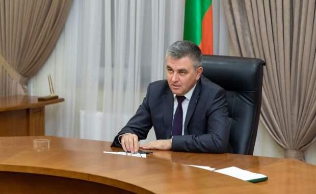 Президент Приднестровья готов принять вакцину Pfizer, нонеМинздрав