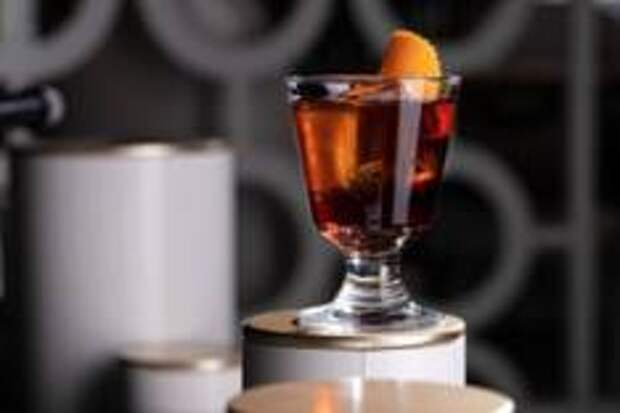 Холодный Коктейль Coffee Negroni для жаркого путешествия