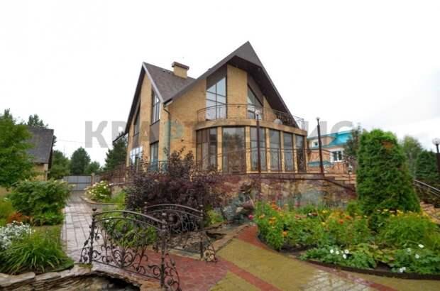 Что за особняк с 6-метровыми потолками продают в Ачаире за 18 млн рублей