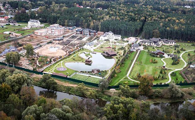 «Скромненький» дворец Володина в Подмосковье