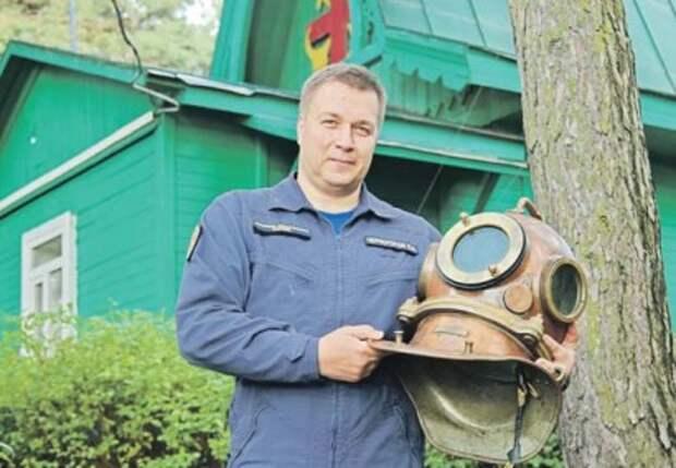 На станции «Серебряный бор» восстанавливают историю спасения на воде