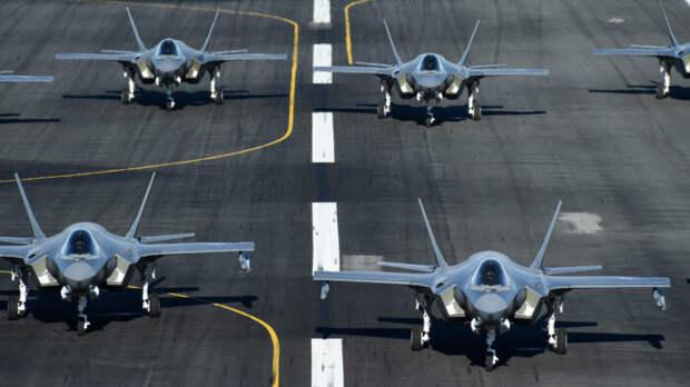 К западным границам России переброшены десятки истребителей F-35