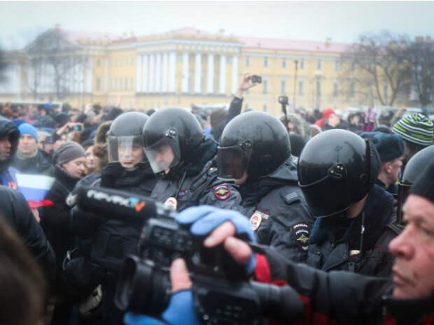 Явлинский вторит требованиям Госдепа США: Под стражей оказались сотни случайных людей, отпустите их