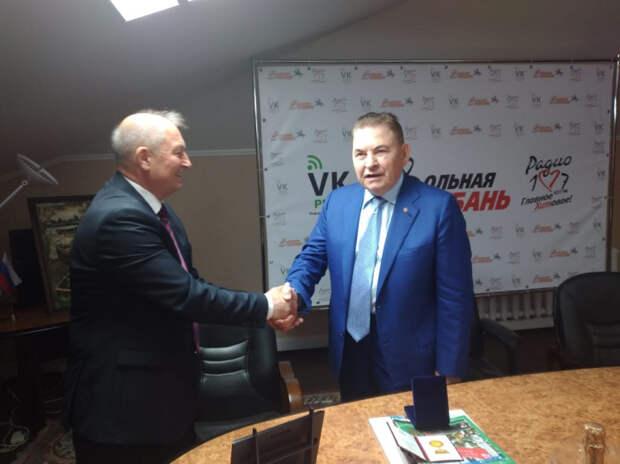 """Главный  редактор газеты """"Вольная Кубань"""" Виктор Ламейкин стал лучшим руководителем года"""