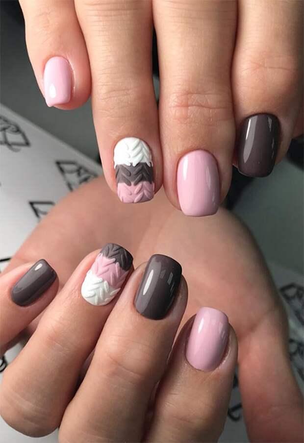 маникюр с текстурой для коротких ногтей