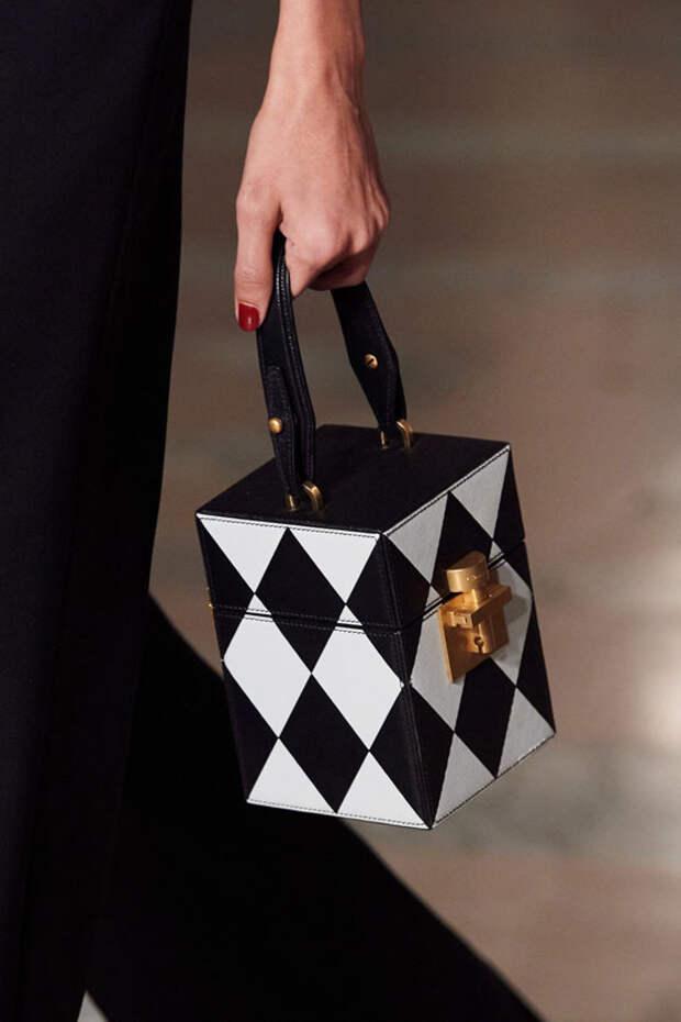 Какую сумку носить зимой 2021? 6 трендов которые захватят внимание модных женщин