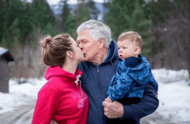 В 23 года девушка вышла замуж за 68-летнего. Вот как они живут сегодня!