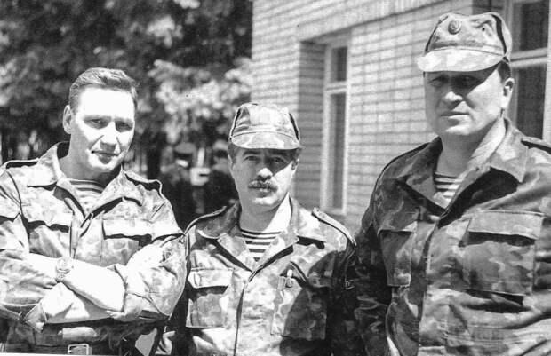 С Анатолием Савельевым и Александром Репиным в Будённовске. Лето 1995 года