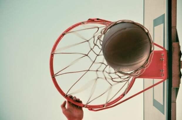 «Анадолу Эфес» впервые выиграл баскетбольную Евролигу