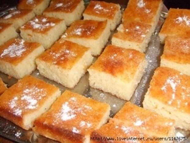 Фото к рецепту: Ревани (турецкая сладость)