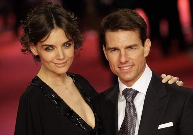 Том Круз разводился со всеми женами, когда им исполнялось 33 и каждая новая была на 11 лет моложе