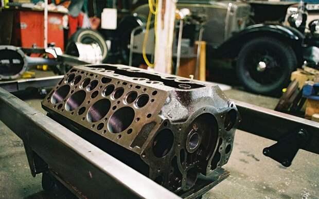 Блок цилиндров двигателя Ford V8