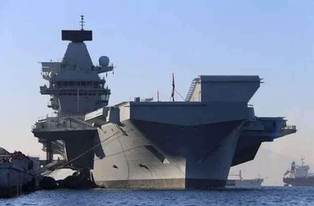 Англичане своим флотом похвастаться хотели, но два маленьких российских корабля разрушили их планы