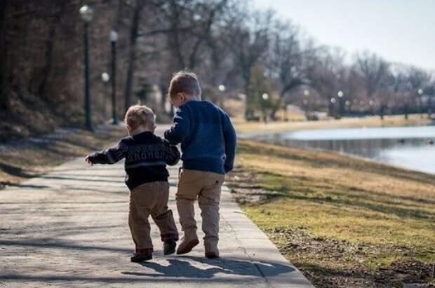 Кабмин подготовит систему мер по поддержке семей с детьми