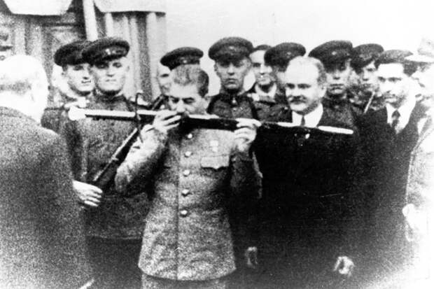 Кто брал Берлин?! Чем ближе 75-летие Победы, тем больше попыток исказить и оболгать подвиг наших дедов и прадедов