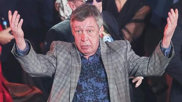 Михаила Ефремова не пустили на борт самолета
