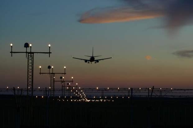 В аэропорту Кольцово в Екатеринбурге самолет вынужденно прервал взлет