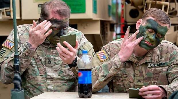 Чтобы избить солдат НАТО, нужны 3 эстонки, или 2 пьяных литовца. Где-то захихикали Петров и Боширов