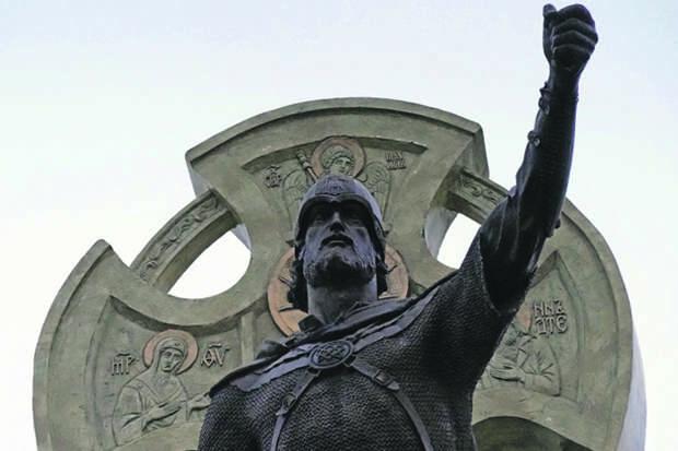 Первый русский евразиец на страже истории