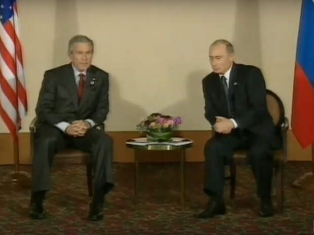 Экс-аналитик ЦРУ: Путин предупреждал Буша о террористической угрозе за два дня до 9/11