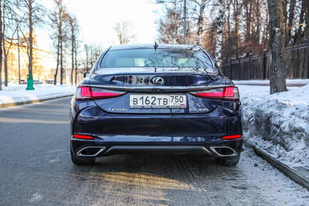 Тест-драйв: Lexus ES350 2019