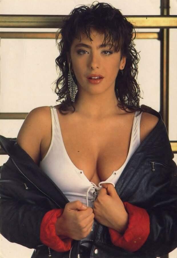 Два факта о популярности поп-певицы 90-х Сабрины