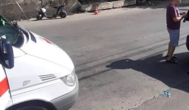 Пенсионерка насамокате влетела в автомобиль вСтаврополе
