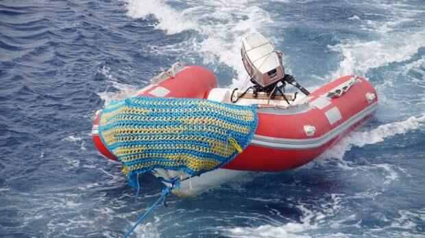 Один человек пропал во время катания на моторной лодке в Финском заливе